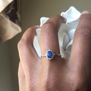 14K White Gold Sapphire Ring Size 7
